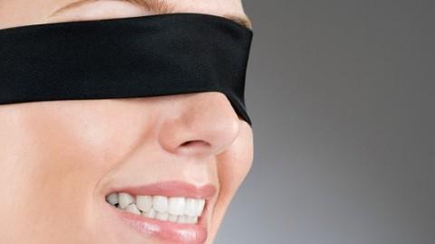 Speeddating med bind for øjnene