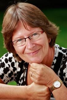 """Kirsten Ahburg er forfatter til den nye bog """"Kærlighed kræver knofedt""""."""