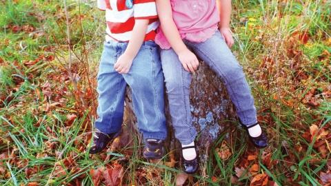 Hold efterårsferie med andre singleforældre og børn